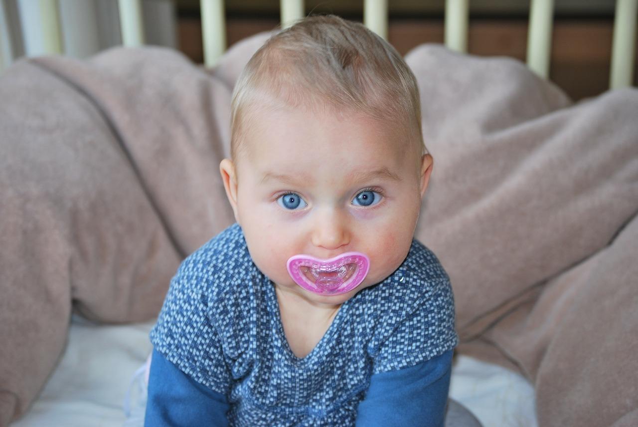 Smoczek dla noworodka - Smoczek dla niemowlaka tak czy nie – Smoczek pod okiem logopedy - część 2